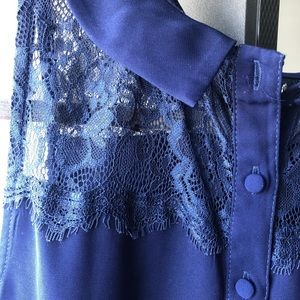 Lace Utility Collared Sleeveless Blouse